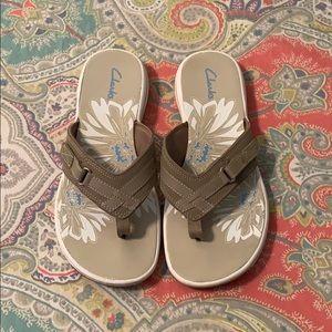 Clarks | Comfort Flip Flop Sandals | Taupe / Tan